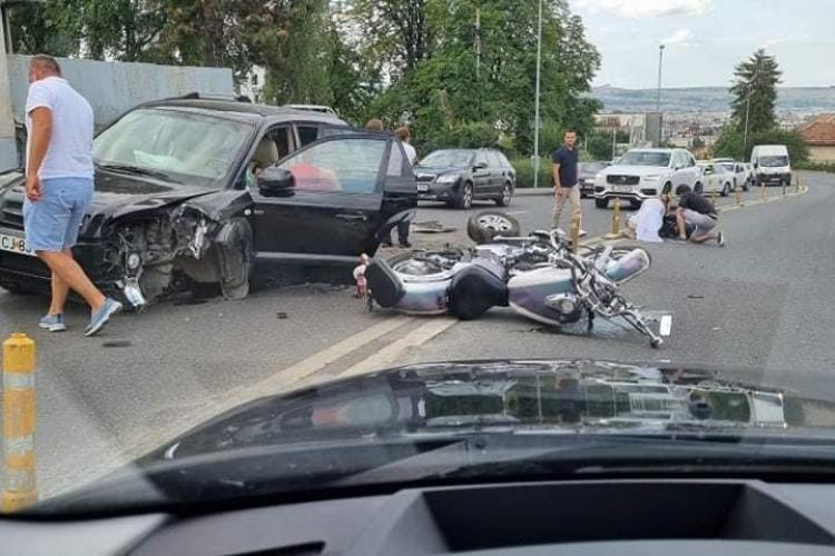 Motociclist ranit pe Calea Turzii. A ratat curba - FOTO si VIDEO