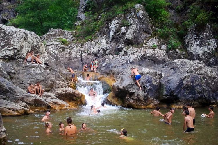 Cascada Ciucaș, loc din Cluj unde te poți scălda în voie. Cum ajungi acolo - FOTO