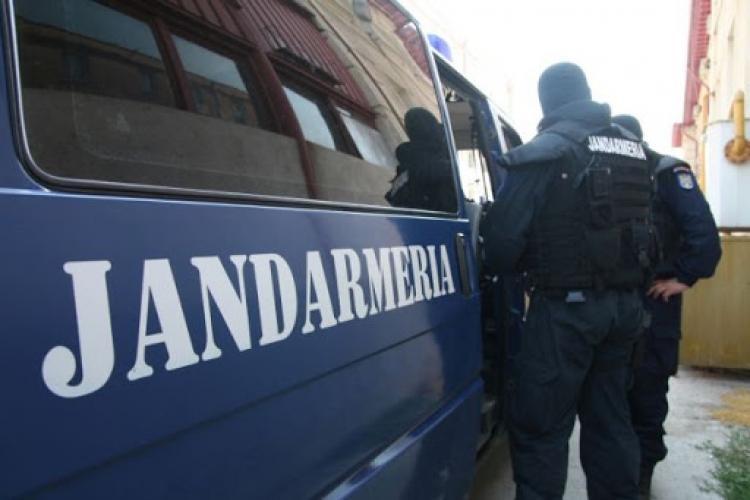 Cluj: Trei bărbați, bănuiți de proxenetism, au fost reținuți de polițiștii clujeni, în urma unor percheziții domiciliare