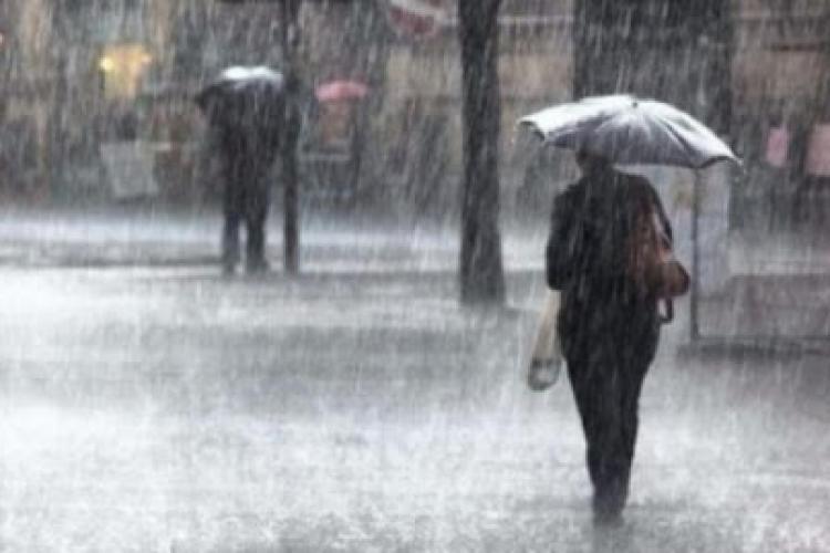 COD ROȘU de ploi torențiale și grindină în județul Cluj. Care sunt localitățile vizate?