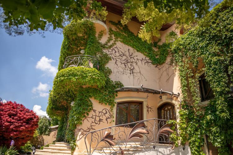 Cluj-Napoca: Se vinde casa fără colțuri, o adevărată bijuterie arhitecturală - FOTO