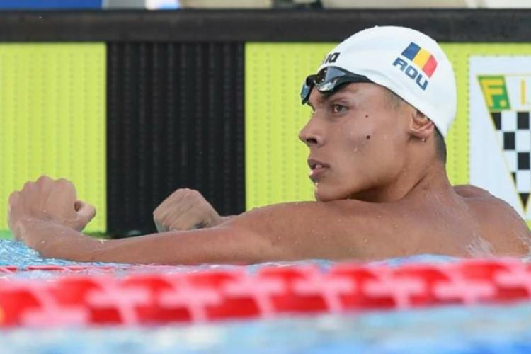 David Popovici, înotătorul român care face senzație la 16 ani. Are trei medalii de aur la Campionatele Europene de înot de la Roma - VIDEO