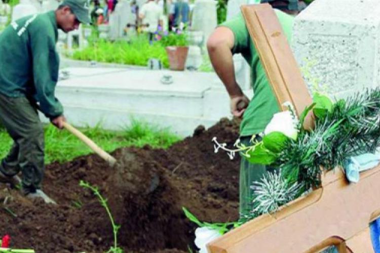 RADP Cluj-Napoca a cerut salarii mai mari pentru paznicii din cimitire. Cât câștigă aceștia pe zi?