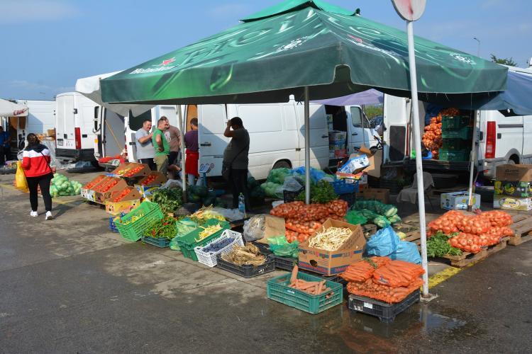 Lista prețurilor din Piața Dezmir. Se laudă cu cele mai ieftine legume din județ