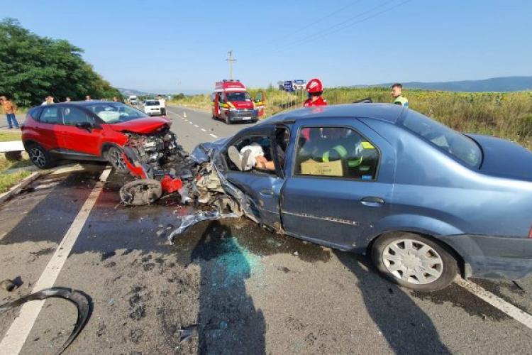 Dosar penal pentru un șofer beat care a intrat cu mașina pe contrasens și a lovit alte două autoturisme