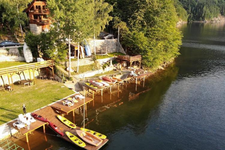Afacere de succes, pe un lac din Cluj, inspirată de o dragoste la prima vedere