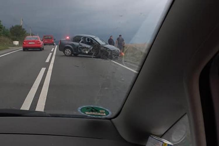 Accident între Gilău și Căpușu Mare. S-a aglomerat din cauza celor care opreau să vadă ce s-a întâmplat - FOTO