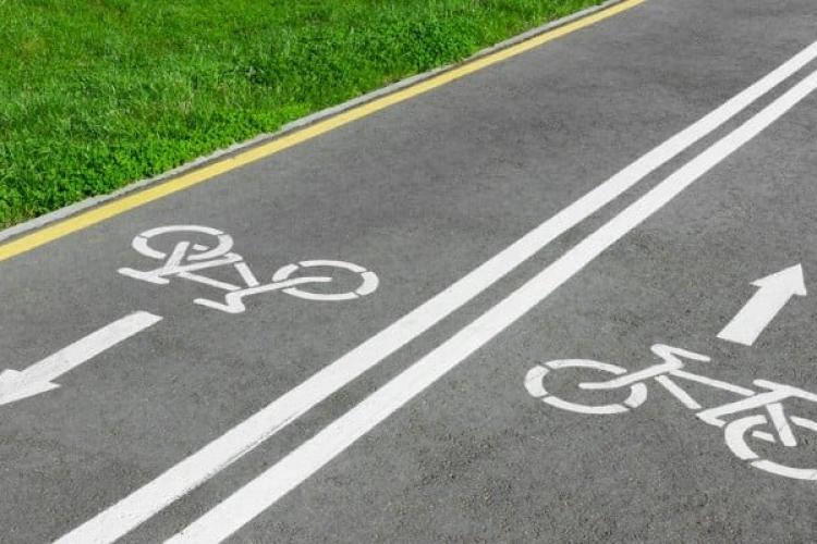 Pista de biciclete, de pe traseul fostei mocănițe, Huedin - Sâncraiu - Călățele, s-a împotmolit în birocrație. Nu e totul pierdut