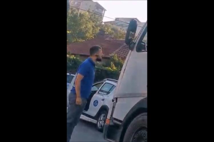 Taximetrist furios la Napolact în Baciu. S-a dat jos la cel din TIR - VIDEO
