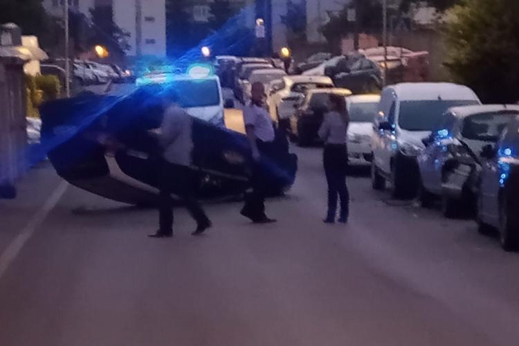 Răsturnare incredibilă pe strada Bucegi, în Mănăștur. Ce spune Poliția Cluj - FOTO