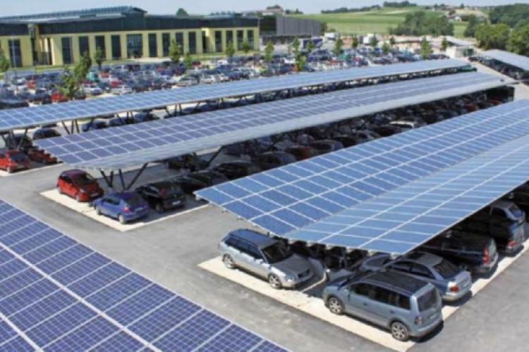 Idee inedită din Oradea! Centrală fotovoltaică peste parcarea de la Sala Polivalentă - FOTO