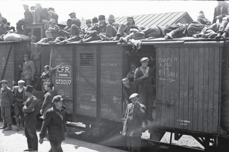 """Fotografie senzațională cu """"Trenul Foamei"""", care aducea oameni să muncească în Transilvania"""