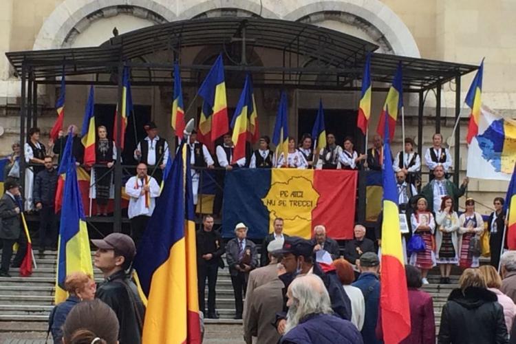 Miting în centrul Clujului. Clujenii s-au reunit în centrul Clujului pentru a comemora refugierea românilor în 1940