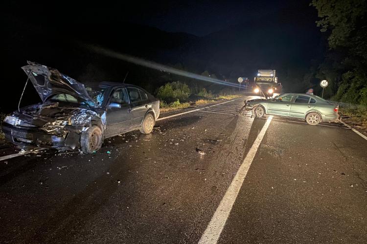 Accident grav la ieșire din Huedin spre Poieni. Un șofer de 75 de ani a fost rănit - FOTO