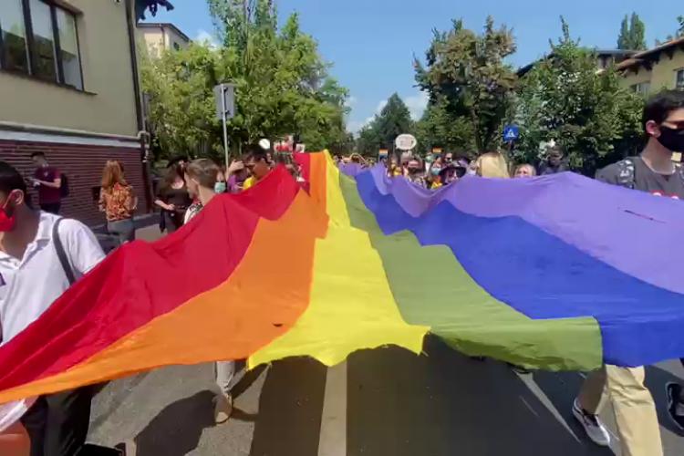 Jandarmii din Cluj nu au reținut pe nimeni la marșul gay: Am blocat un incident în Parcul Central