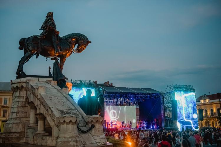 """Clujul a exagerat cu festivalurile. Cercetător: """"Culege deja roadele organizării unor evenimente de zeci de mii de oameni în plin val Delta-4. E fruncea..."""