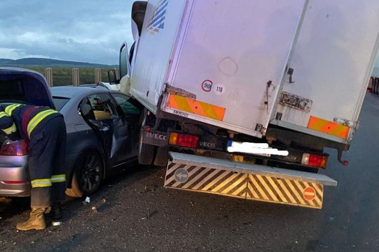 Accident la Sebeș, pe A1. Trei mașini s-au ciocnit - FOTO