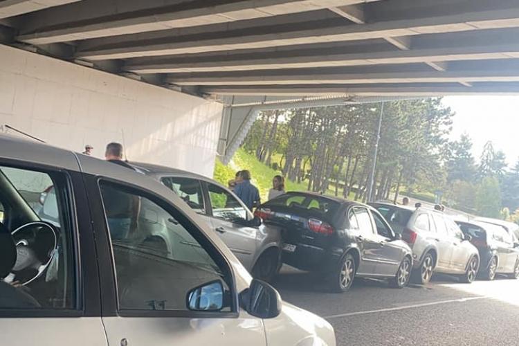 Accident în lanț, sub Podul N, spre Florești. 8 mașini s-au lovit - FOTO