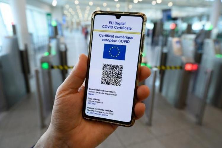 VIDEO: Cum descarc certificatul COVID-19 pentru călătoriile în UE?