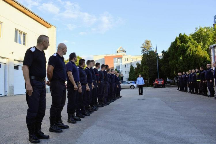 Pompierii clujeni care s-au luptat cu incendiul din Grecia au revenit acasă - FOTO