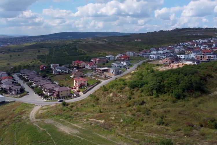 """Imagini din dronă cu Parcul """"Pădurea Clujenilor"""", din capătul Bulevardului Muncii. Nu prea sunt parcări - VIDEO"""