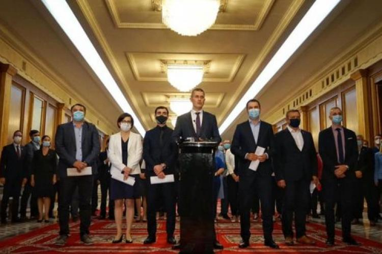 Miniștrii USR PLUS își depun demisiile la Guvern