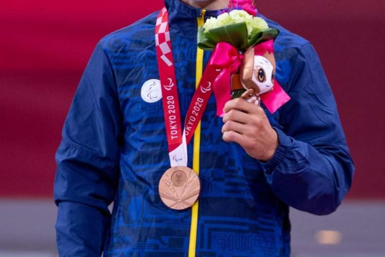 Performanța sportivului paralimpic clujean Alexandru Bologa, premiată de Primăria Cluj-Napoca cu 2.000 de lei