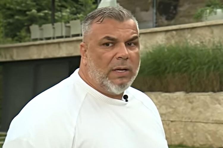 """Antrenorul Cosmin Olăroiu, jefuit la Milano. Hoțul l-a îmbrățișat și l-a """"ușurat"""" de ceasul de aproape 200.000 de dolari"""