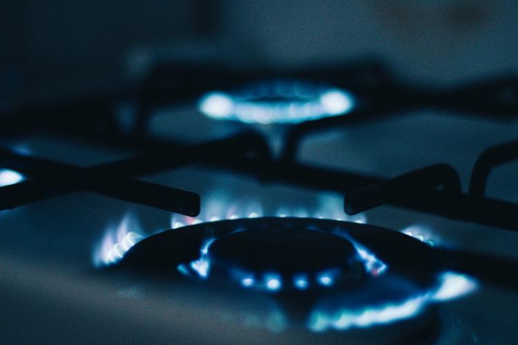 """Prețul gazelor s-ar putea dubla în această iarnă. Ministrul Energiei spune că nu e de vină: """"ANRE să se ocupe. N-au făcut nimic până acum"""""""