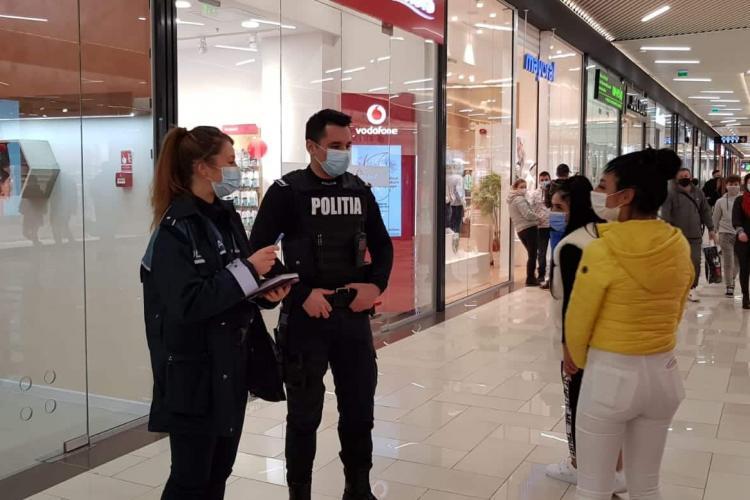 Clujul renunță treptat la lupta COVID? Unul din zece oameni nu poartă mască la mall și 1 din 5 o poartă de formă