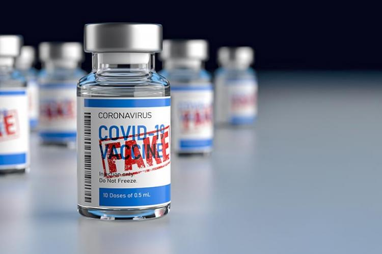 Revistă cu informații false despre vaccinul anti COVID, distribuită în mai multe localități din România