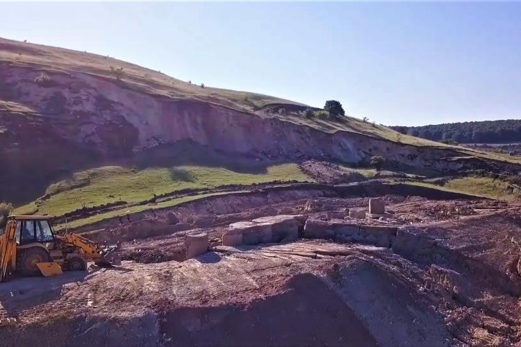 Alunecări de teren pe șantierul Nădășelu - Zimbor, din Autostrada Transilvania. Studiile se fac cam degeaba - FOTO