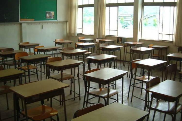 Inspectoratul Școlar Cluj REFUZĂ într-un mod jenant să spună care sunt școlile cu clase suspendate din cauza COVID