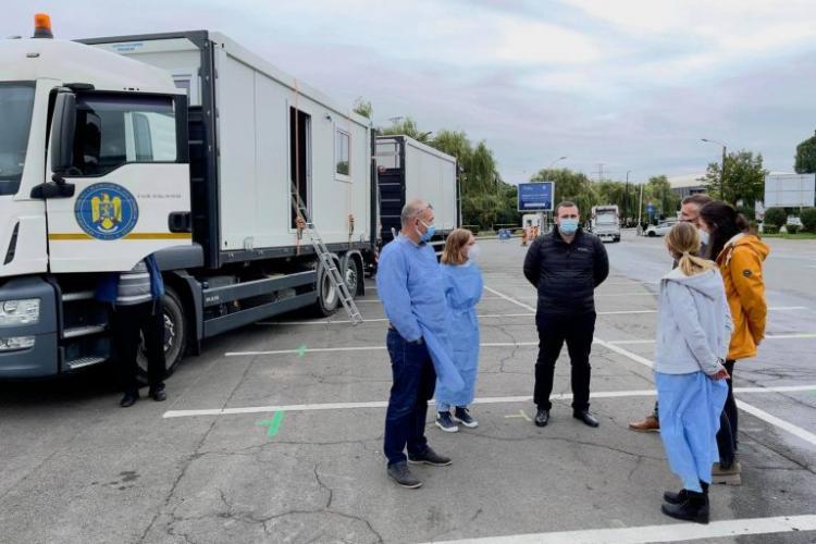 Au venit la Cluj containerele pentru continuarea vaccinării în singurul centru drive-through din județ - FOTO