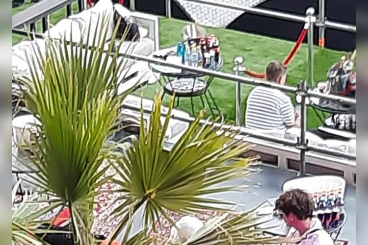 O blonda a paralizat tot Lounge - ul de la UNTOLD 2021. Imagini de infarct - FOTO