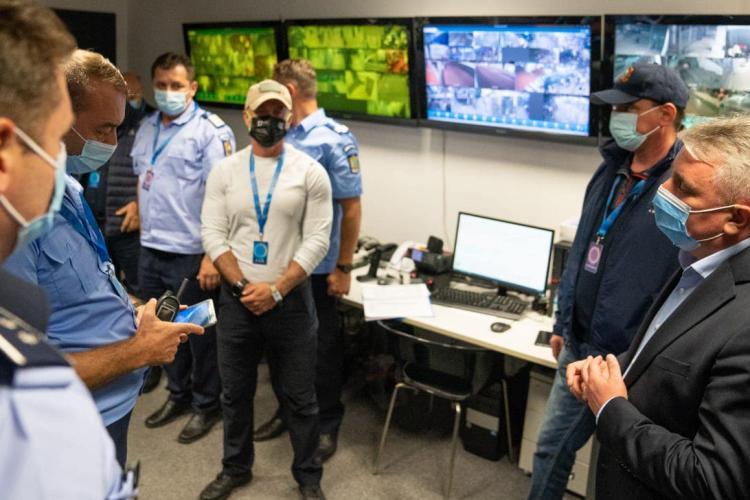 Boc, mascat în a treia zi de UNTOLD. Primarul a fost alături de viitorul premier al României, conform unor surse - FOTO