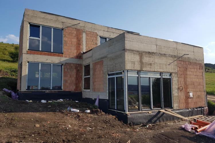 Scumpirea materialelor de construcții amenință piața construcțiilor. Unii români au pus lacăt pe șantiere