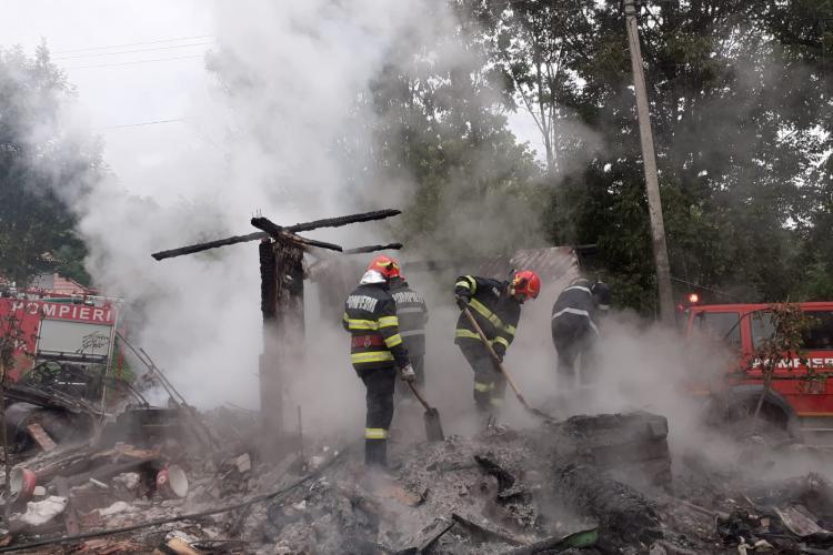 Cluj: Un bărbat a fost ARS DE VIU într-un incendiu izbucnit vineri dimineață - FOTO