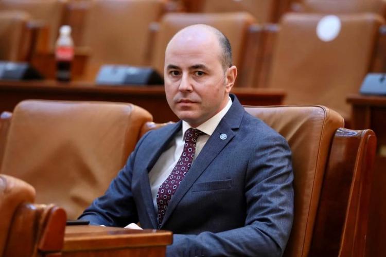 Consilierul premierului a pârât USR PLUS la Comisia Europeană, SUA și Israelul: Vor să facă o nouă majoritate cu un partid neofascist şi antisemit