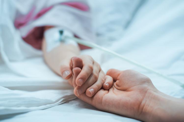 Sunt 7 copii internați cu COVID-19 în spitalele din Cluj. Câte locuri libere la ATI?