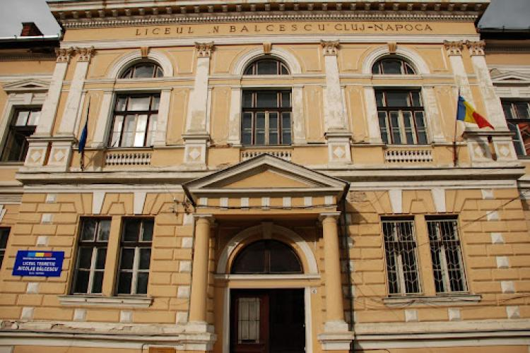 11 clase de la Liceul Nicolae Bălcescu sunt în online din cauza unui focar COVID-19