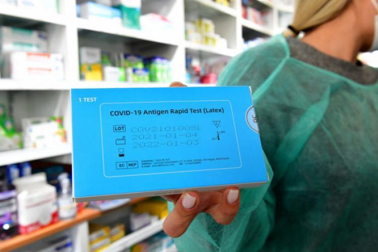 """Statul a dat degeaba teste gratuite COVID în farmacii. Farmaciile din Cluj le fac contra-cost: """"Testele sunt gratuite, dar testarea costă 60 de lei"""""""