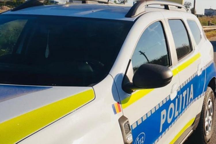 Un șofer care a depășit mașina Poliției pe linie continuă a reușit să scape de sancțiuni după o greșeală a agenților rutieri