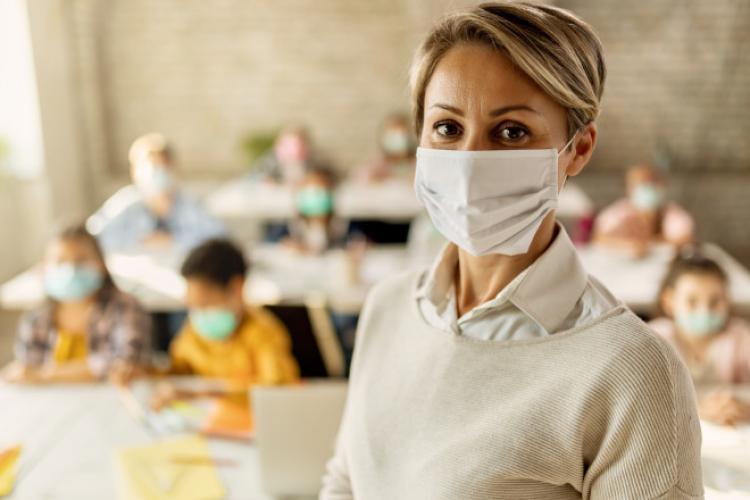 Doar în 12 unități de învățământ din Cluj s-au vaccinat TOATE cadrele didactice. Procentajul vaccinării din fiecare unitate de învățământ din Cluj