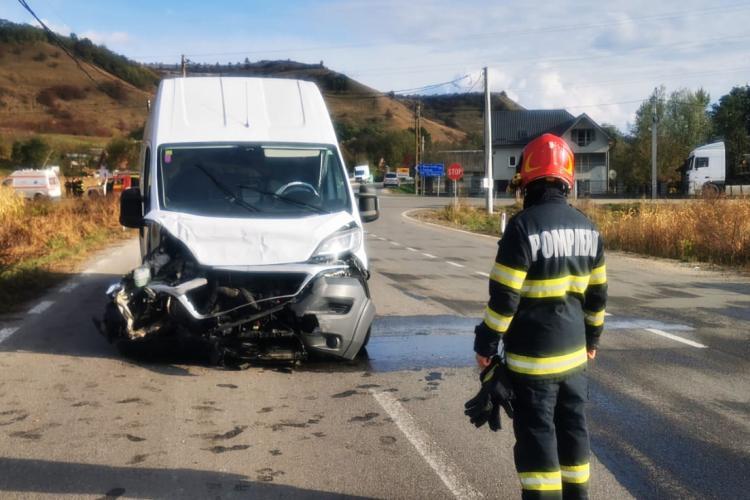 Accident in jud. Cluj, la Vultureni. O mașina s-a răsturnat - FOTO