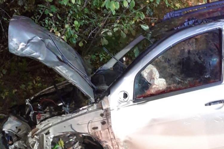 Mașina răsturnată la Cluj, lângă Izvorul Crișului - FOTO