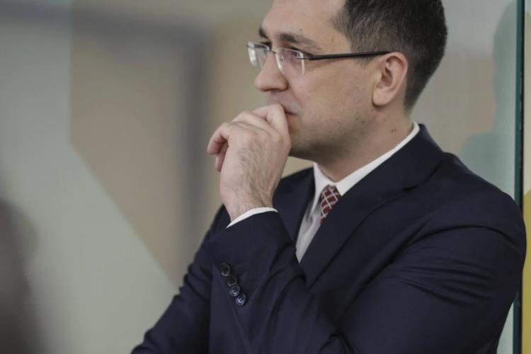 Voiculescu acuză că peste 4.000 de teste pozitive au dispărut din raportările COVID înaintea congresului PNL. Luni, peste 2.500 de cazuri noi la București