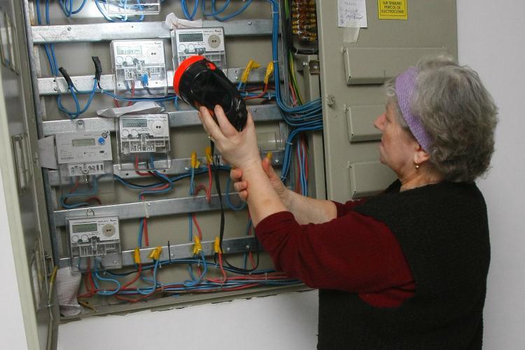 Furnizorii de energie electrică și gaze naturale, amendați pentru unele nereguli care au dus la creșterea prețurilor