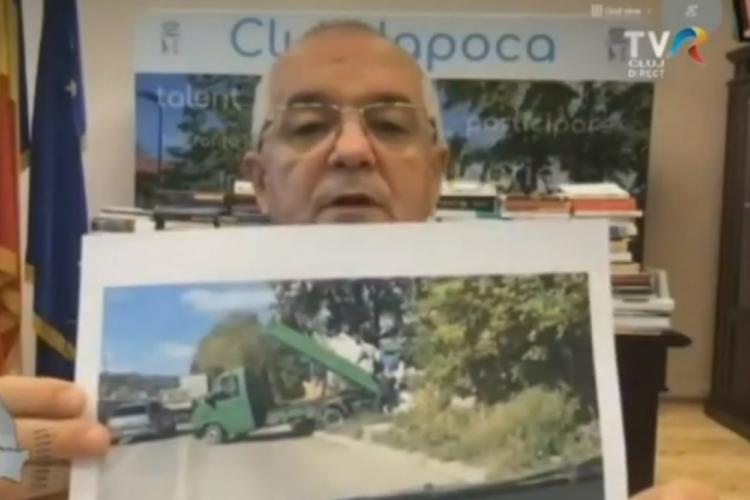 """Boc a prezentat un """"nesimțit"""" care descărca deșeuri pe o stradă din Cluj"""