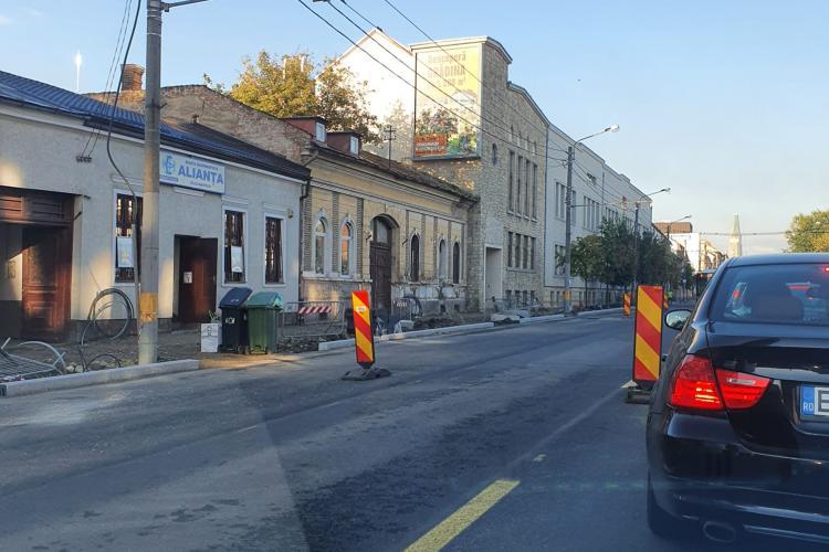 Restricții de circulație pe 21 Decembrie 1989, pentru frezarea asfaltului
